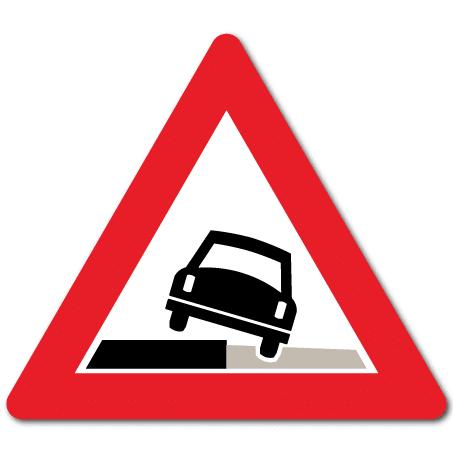 Trafikkskilt Farlig vegskulder 117